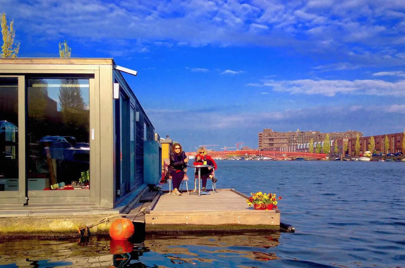 Slapen op het water in een boot4